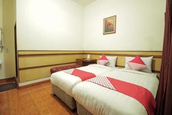 OYO 228 Hotel Lodaya Bandung - Deluxe Twin Pegi Pegi special promotion