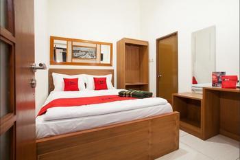 RedDoorz near Singha Merjosari Park Malang - RedDoorz Room Regular Plan