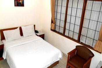 Frances Hotel Bandung - Deluxe Room Regular Plan