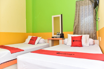 RedDoorz near Universitas Pattimura Ambon Ambon - RedDoorz Twin Room Regular Plan