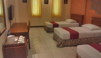 Sukajadi Hotel Bandung - Standard Triple Room Only Basic Deal, Save 30% (No Refund)