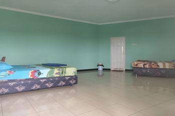 OYO 2731 Mim Guest House Balikpapan - Standard Family Room Regular Plan