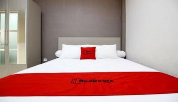 RedDoorz Plus near UPN Jogjakarta 2 Yogyakarta - RedDoorz Room 24 Hours Deal