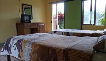 Asparin Homestay Banyuwangi - Standart Room with Terace Regular Plan