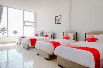 OYO 1194 Villa Bukit Panderman Residence Malang - Suite Family Regular Plan