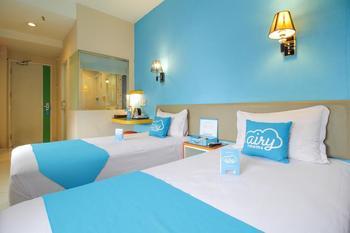 Airy Alun Alun Malang Zainul Arifin 55 - Deluxe Twin Room with Breakfast Special Promo Feb 5