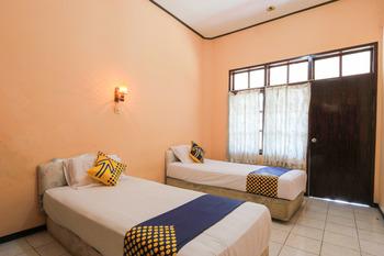 SPOT ON 2465 Hotel Raung View Banyuwangi - Spot On Twin Regular Plan