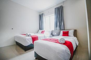 RedDoorz @ Baloi Batam Batam - Family Room 24 Hours Deal