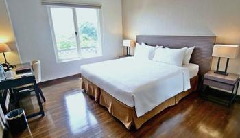 Samala Hotel Jakarta Cengkareng Jakarta - Deluxe Room with Breakfast Promo New Normal Sale RBF