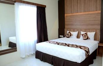 D'Hotel Holiday Makassar Makassar - Deluxe Double Room Regular Plan