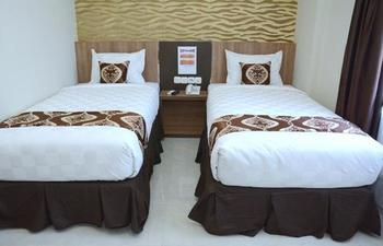 D'Hotel Holiday Makassar Makassar - Superior Twin Room Regular Plan