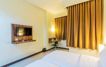Veleza Hotel Bandung - Superior Twin Room Only Regular Plan