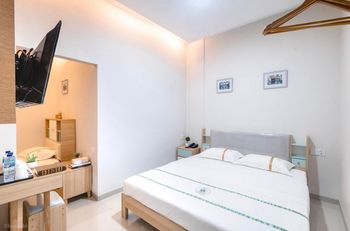Lee's Hotel Batam - Family Room Regular Plan