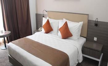 Swiss-Belhotel Samarinda - Deluxe Queen Minimum stay 3 Night Save 20%