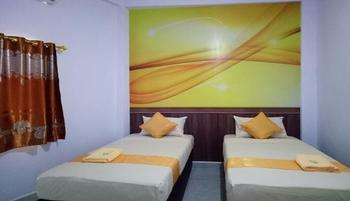 Hotel Warna Palopo Palopo - Superior Twin Room Regular Plan
