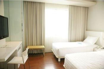 Everbright Hotel Surabaya - Superior Twin Room Only Regular Plan