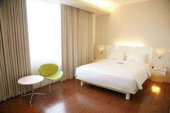Everbright Hotel Surabaya - Superior Double Room Only Regular Plan