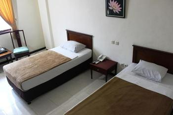 UB Guest House Malang Malang - Standard Room (Air Dingin) 3rd Floor Regular Plan