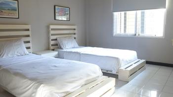 Home @33 B&B Bandung - Standard Twin Room Best Deal Today