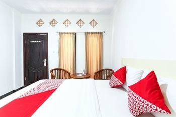 OYO 1842 Hotel Orisa Lombok - Deluxe Double Room Regular Plan
