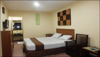 Hotel Grand Pangestu Karawang - Deluxe  Room Only Regular Plan