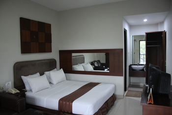 Hotel Grand Pangestu Karawang - Executive Room Only Regular Plan