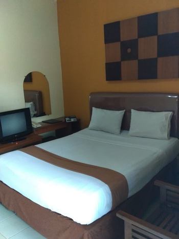 Hotel Grand Pangestu Karawang - Superior Room Only Regular Plan