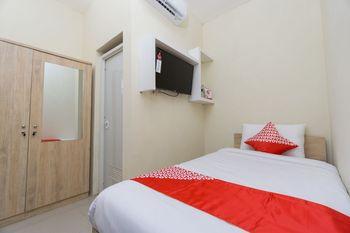 OYO 1542 Juan Palace Yogyakarta - Standard Double Room Regular Plan