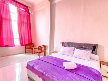 Redisa GuestHouse Malang - Standard Room KETUPAT