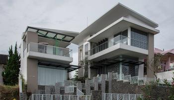 Villa Langit Biru