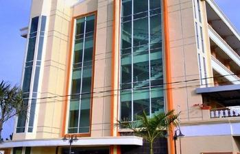 Topstar Hotel