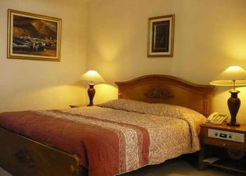 Tretes Raya Hotel & Resort Pasuruan - Deluxe King Regular Plan