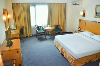 Mega Anggrek Hotel Jakarta Slipi - Deluxe with Breakfast BIG SALE 40% TODAY adlbf