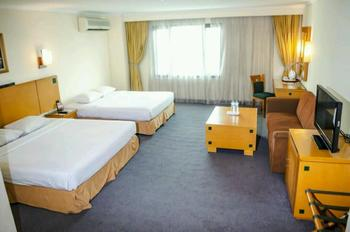 Mega Anggrek Hotel Jakarta Slipi - Family Room Only BIG SALE 36% TODAY flrro