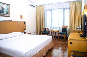 Mega Anggrek Hotel Jakarta Slipi - Superior Double Room Only Regular Plan