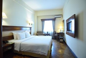 Mega Anggrek Hotel Jakarta Slipi - Promo Superior Double Room Only Best Deal