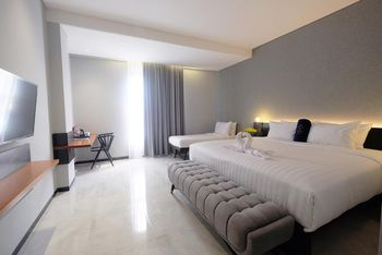 Hotel Youstay Semarang Semarang - Deluxe Twin or Double Room Regular Plan