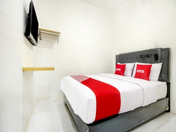 OYO 3929 8angau Mas Palembang - Standard Double Room Last Minute Deal
