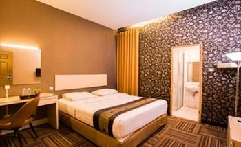 Tinggal Standard Marjuk Kebon Kawung - Superior Room Min Stay 3 Nights - 33%
