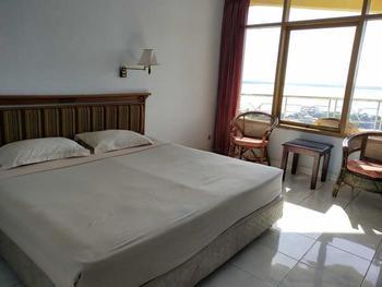 Bukit Kenari Hotel & Restaurant Pare-Pare - Deluxe Room Regular Plan
