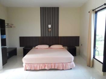 Bukit Kenari Hotel & Restaurant Pare-Pare - Cottage Regular Plan