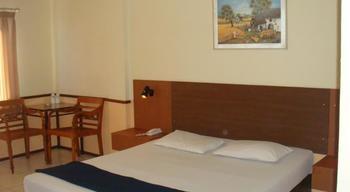 Hotel Augusta Cengkareng - Deluxe Room Regular Plan