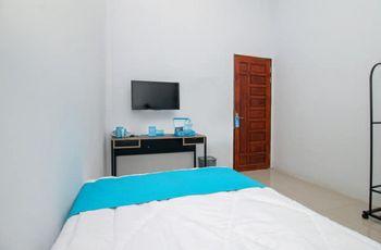 Khalisa Home Syariah Pontianak Pontianak - Deluxe Standard Room  Regular Plan