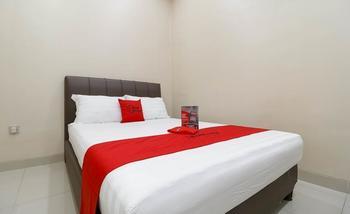RedDoorz Plus Near Dharmawangsa Jakarta - RedDoorz Room Regular Plan
