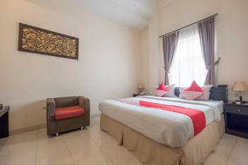 OYO 424 Asia Hotel  Makassar - Standard Double Pegi Pegi special promotion