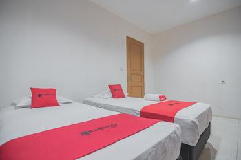 RedDoorz Plus @ Lodaya Gunung Geulis Puncak Bogor - RedDoorz Family Basic Deal