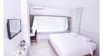 Kembang Hotel Bandung - Deluxe Room Regular Plan