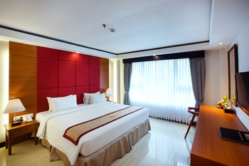 Royal Singosari Kuta - Deluxe Double Room Only Regular Plan