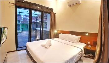 Villa 2 Bedrooms Near Jatim Park 2 No. C5 Malang - 2 Bedroom Villa Always On