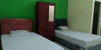 Griya Sedati Surabaya - Standard Room Only with Fan Regular Plan